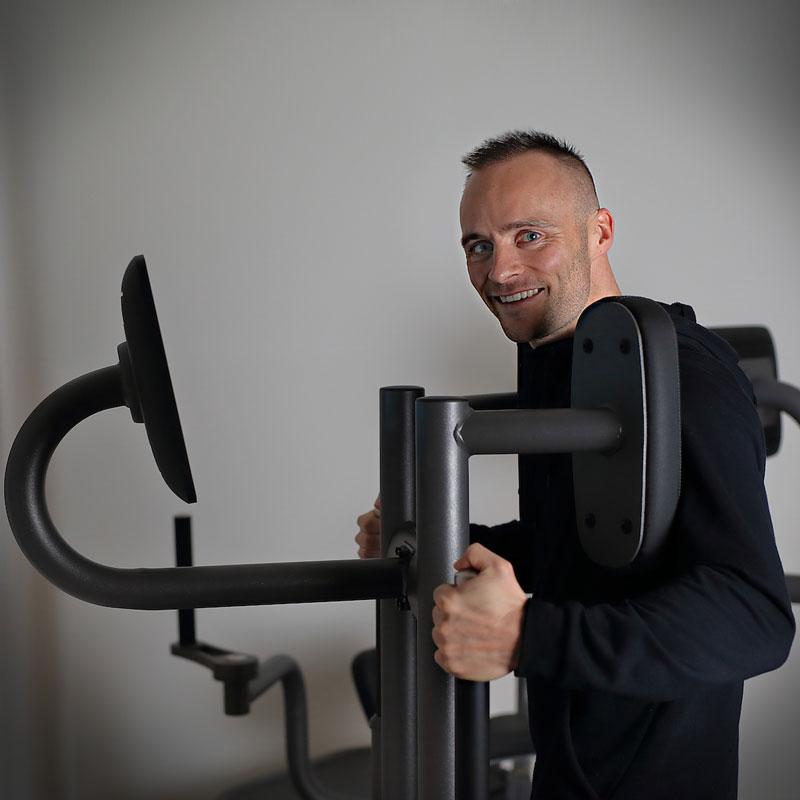 Muskelaufbau im Fitnessstudio | PASSION Sport's Nossen